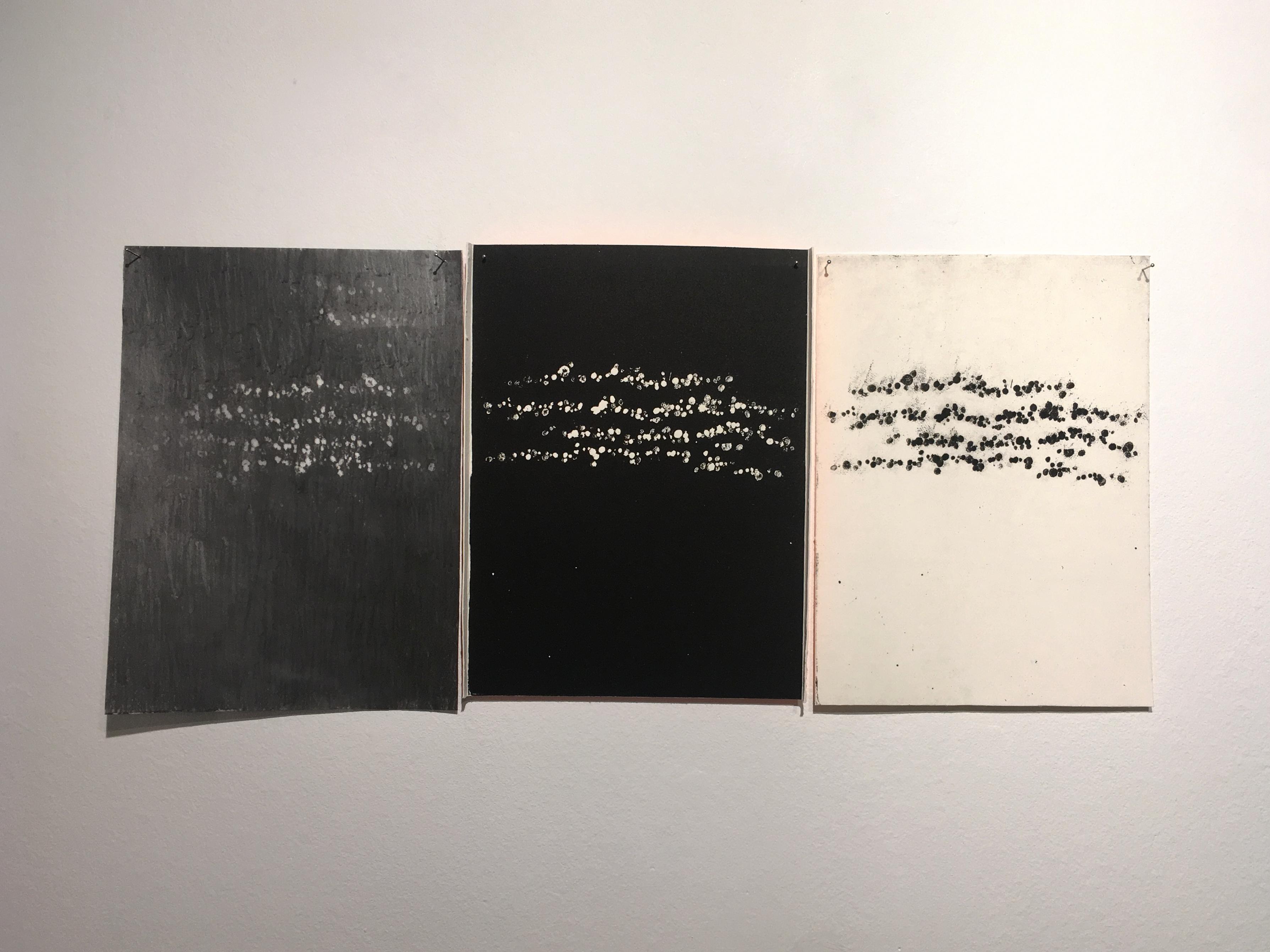 Syntax Reversed, 2018 (tríptico; frottage y aguafuerte, 20,5×45 cm)